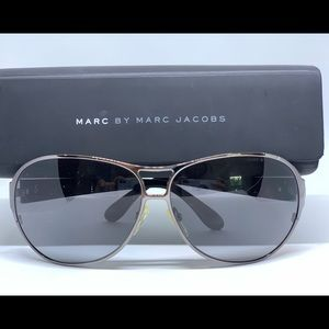 Marc by Marc Jacobs Sunglasses 🕶